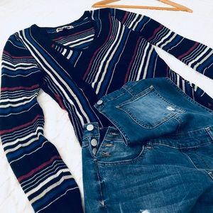 Volcom unique adorable lite stripe sweater sz L